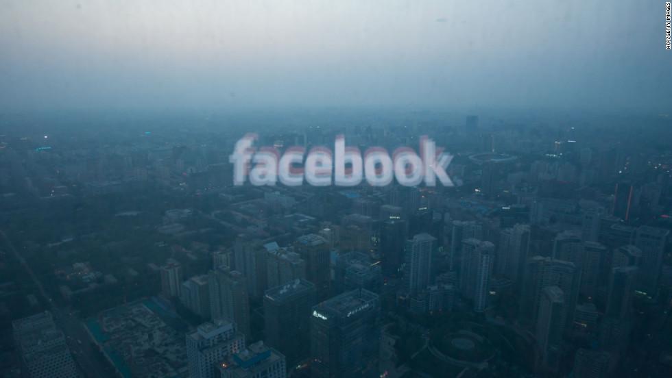 फेसबुकसँग किन नाता तोड्दैछन् अमेरिकी किशोर किशोरी ?
