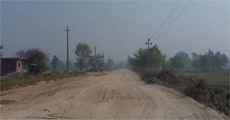 हुलाकी राजमार्ग सडक आजबाट कालोपत्रे