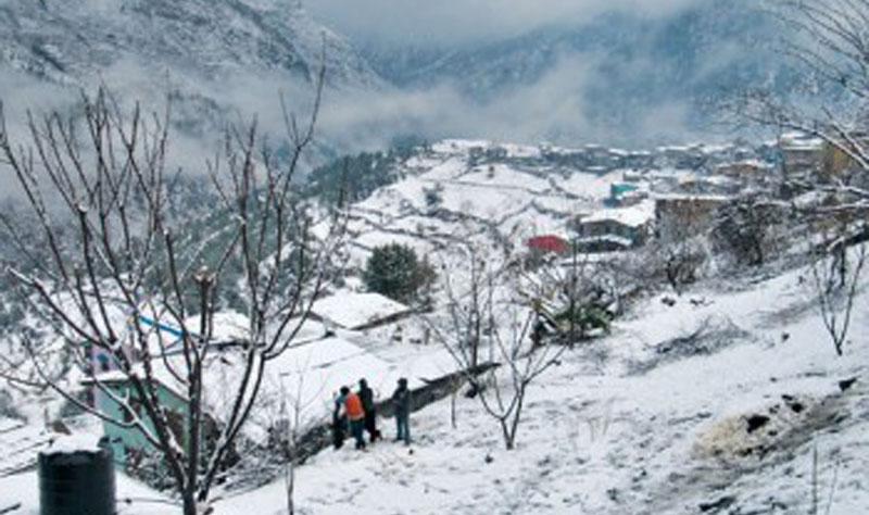 हिमपातका कारण विद्युत् सेवा अवरुद्ध
