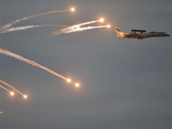 पाकिस्तानी भूमिमा बम