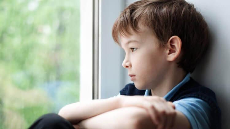 बालबच्चालाई कसरी अटिज्मको समस्या हुन्छ ?
