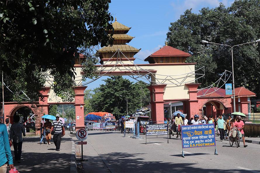 पश्चिम बंगाल सरकारले गर्यो मेची नाका सिल, आयात-निर्यात ठप्प