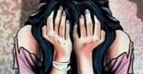 शिक्षकले नै गरे छात्रामाथि बलात्कार, बच्चा जन्मेपछि सार्वजनिक