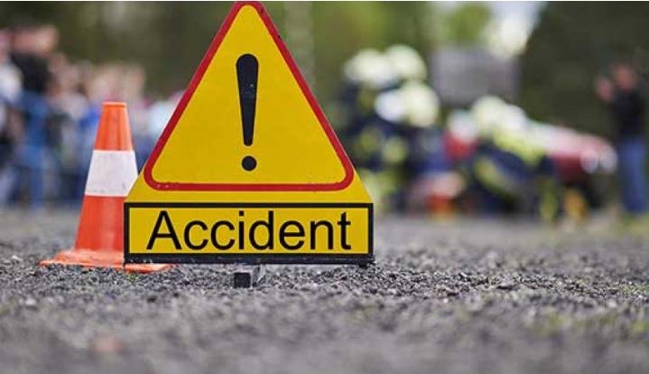 डडेल्धुरामा मोटरसाइकल दुर्घटना हुँदा २  घाइते ।